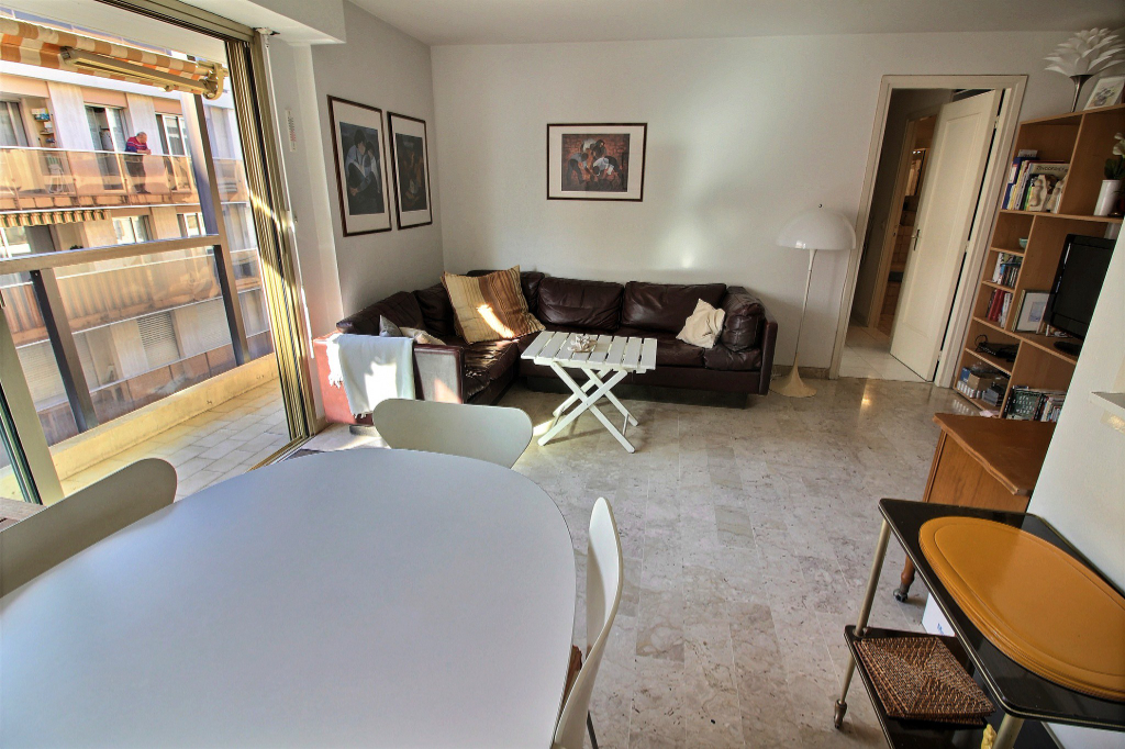 Appartement Antibes ALBERT 1ER 2 pièces 42.25m² + cave + parking