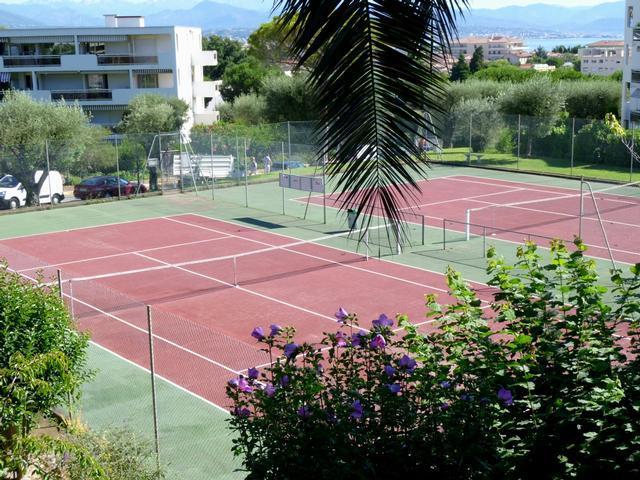 Antibes 2 pièce(s) 39.28 m2 cave et parking  résidence avec piscine tennis