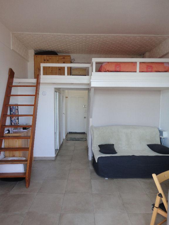Appartement Golfe Juan studio 25m² + mezzanine + terrasse vue mer et port