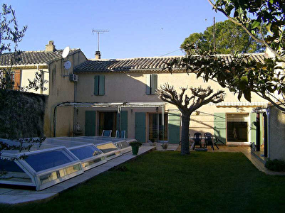 MAISON DE VILLE SORGUES - 4 pieces - 120 m2