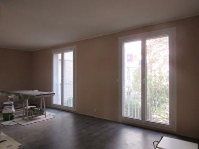 Appartement Avignon double sejour 3 chambres et cave