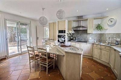Villa  a 10 mns d'Avignon 6 pieces 250 m2