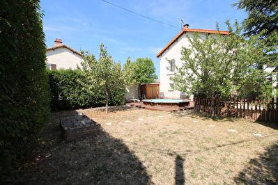 Tres belle maison avec jardin au calme