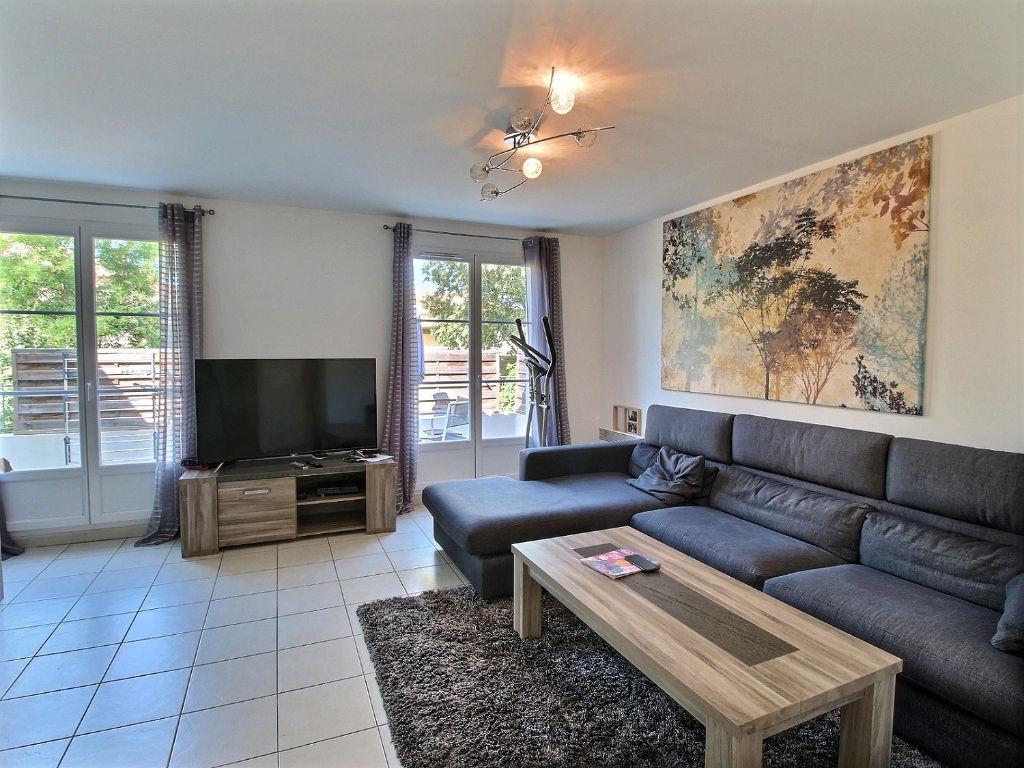 photos n°1 Appartement T3 Montfavet  de 67 m2 dans résidence récente sécurisée avec belle terrasse vue dégagée