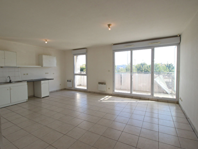 Appartement T3 Montfavet  AVEC GARAGE