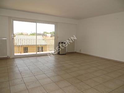 Appartement Avignon T6  3 chambres, balcon et garage.