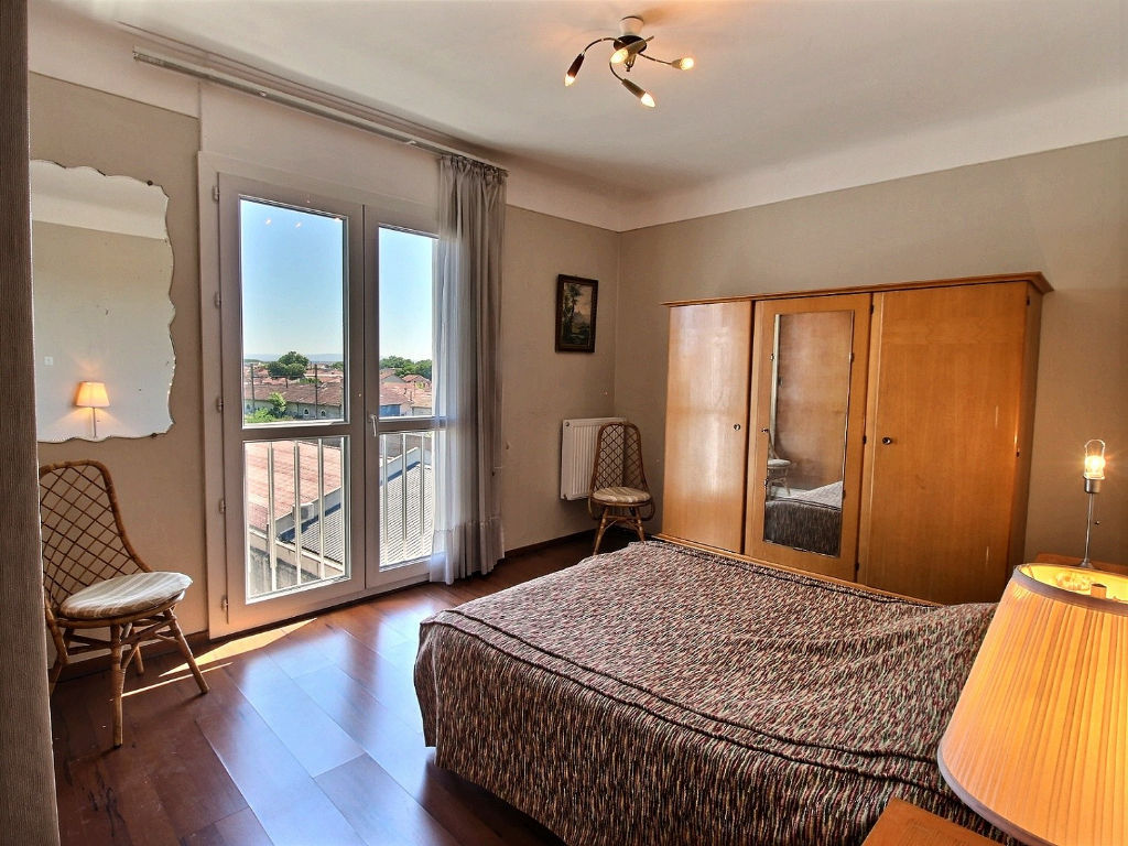 Appartement Avignon 4 pièce(s) 106 m2 au pied des remparts