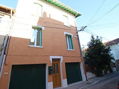 Appartement dans maison de ville 3 pieces 69m2 avec garage