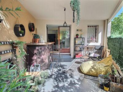 Appartement Avignon T3 tres proche remparts