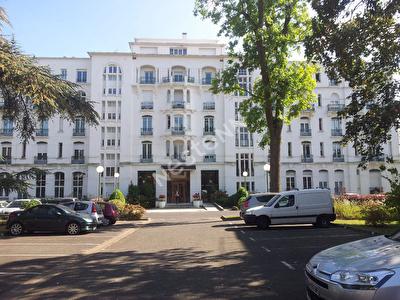 Tres Bel Appartement  3 pieces 63,50 m2 proche de Avon Gare commerces