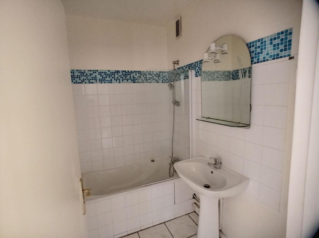 Appartement Avon 3 pièce(s) 58.18 m2 face à la forêt de Fontainebleau