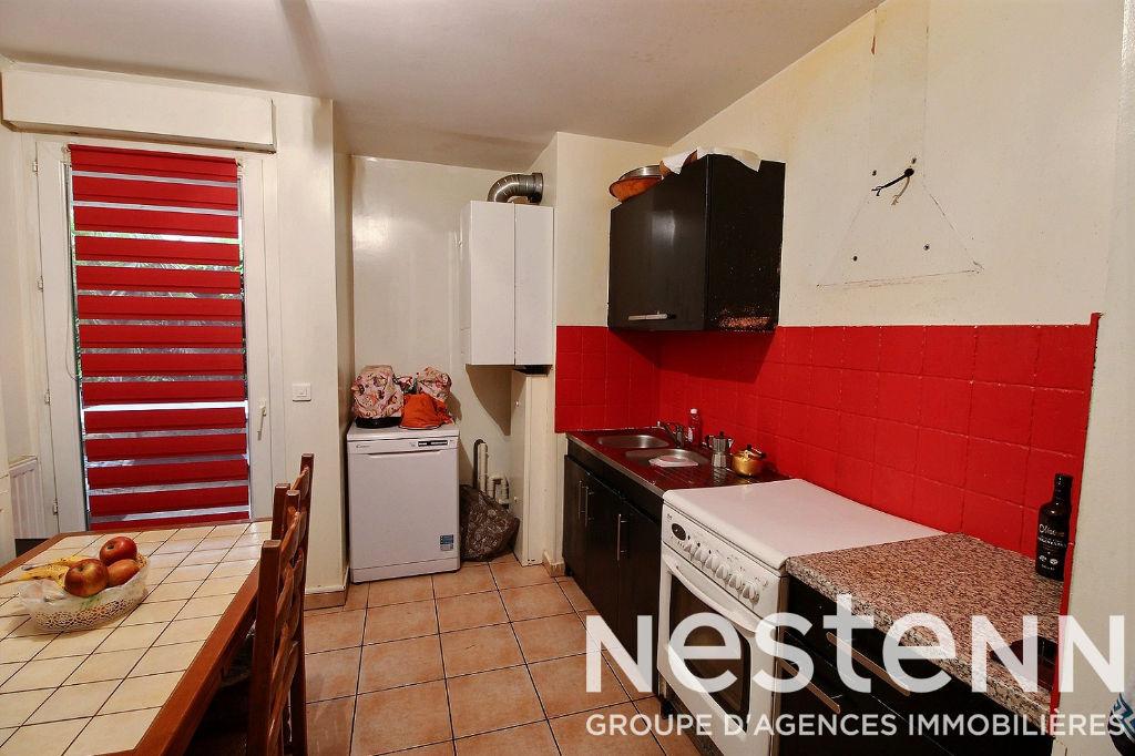 Appartement Bron 4 pièce(s) 82 m2 RDJ avec garage - Fort de Bron/Eglise