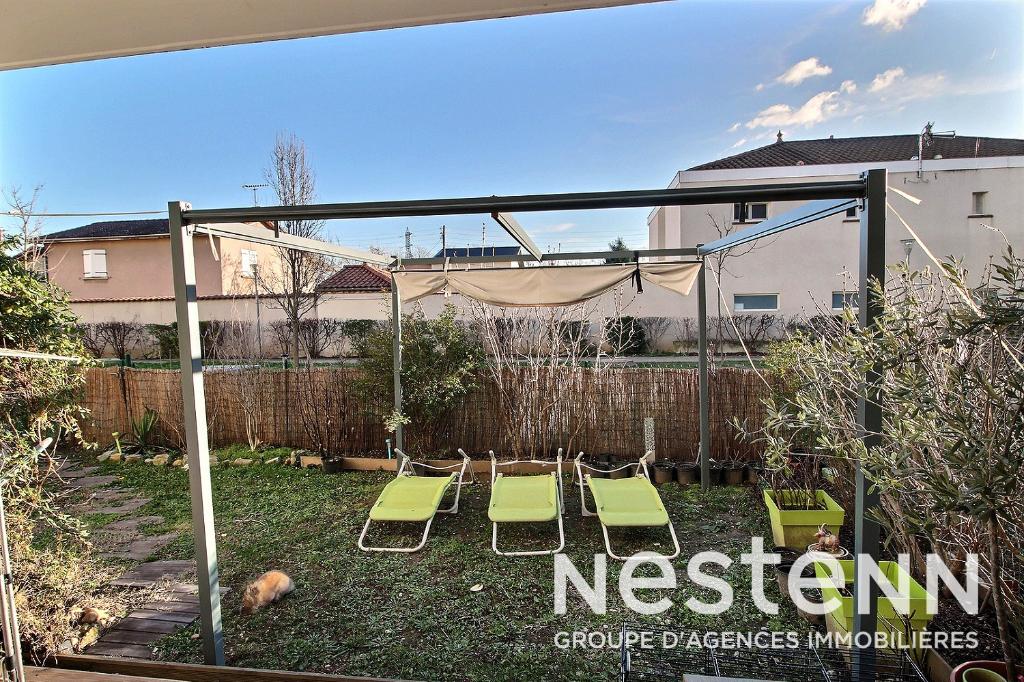 Appartement Vaulx En Velin rez-de-jardin 3 pièce(s) 61.15 m2