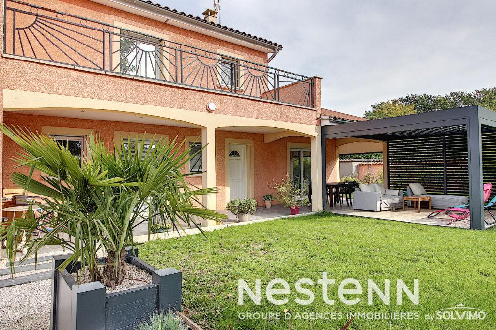 Villa récente  - 01090 MONTMERLE