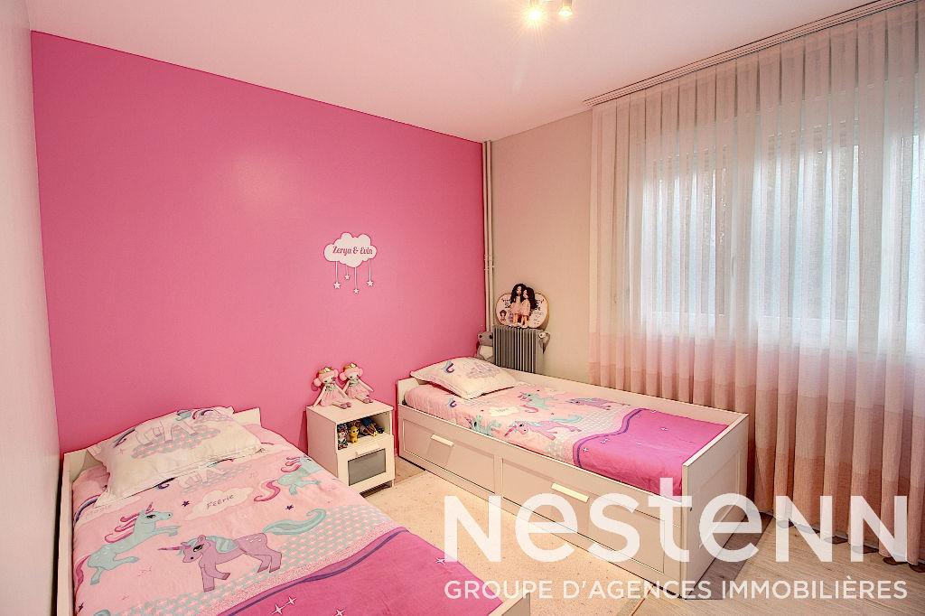 Appartement 4 Pièces Rénové avec Parking  - 69500 BRON