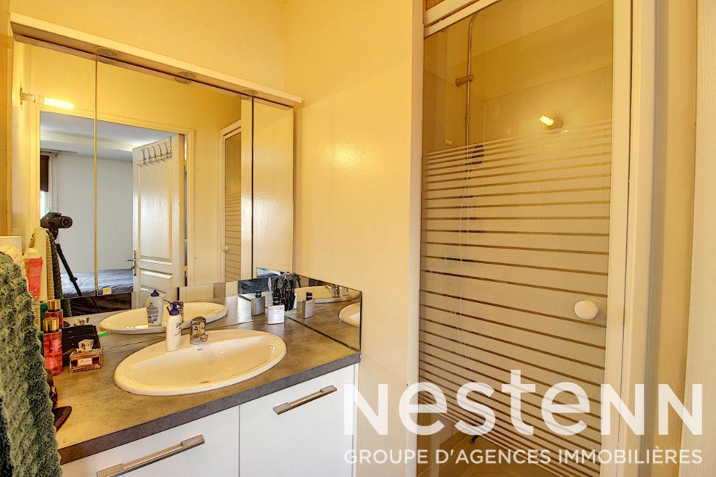 Appartement Bron 5 pièce(s) 99 m2 avec terrasse proche Lyon 3e