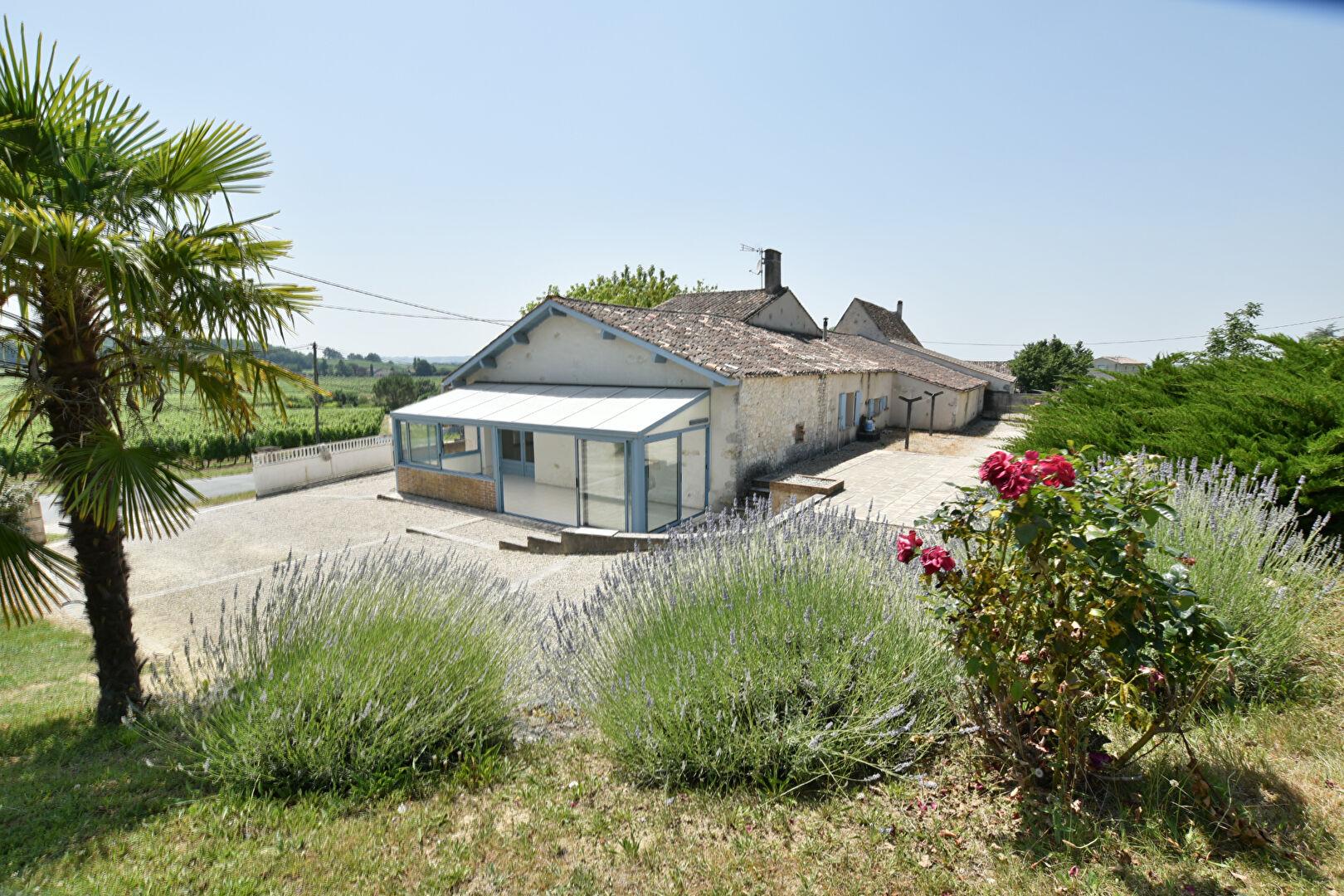 photos n°1 Belle longère avec  une vue magnifique au Sud de Bergerac !