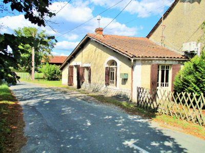 Maison a restaurer entre Bergerac et Gardonne.