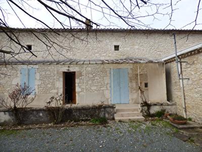 Bel ensemble en pierre au sud de Bergerac