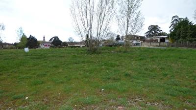 Terrain 1000 m2 situe a 10 min de Bergerac