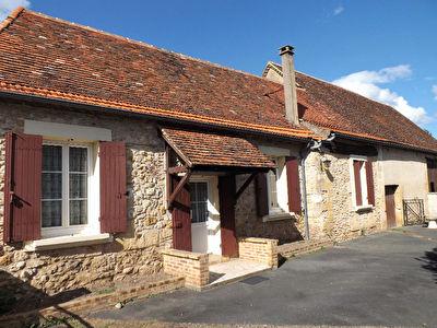 Authentique maison plain pied en pierre avec dependances !