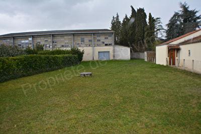 Terrain de 500 m2 quartier Picquecailloux.