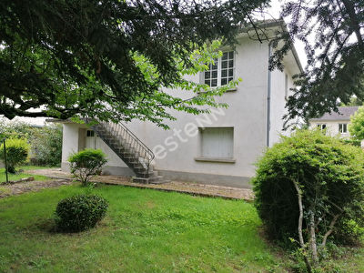 Maison dans une impasse a l'Est de Bergerac.
