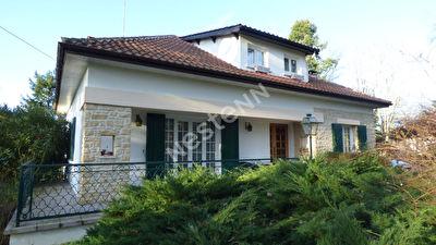 Maison a Port Sainte Foy et son terrain de 4224 m2.