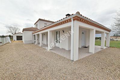 Belle maison recente avec vie de plain pied a l'Ouest de Bergerac