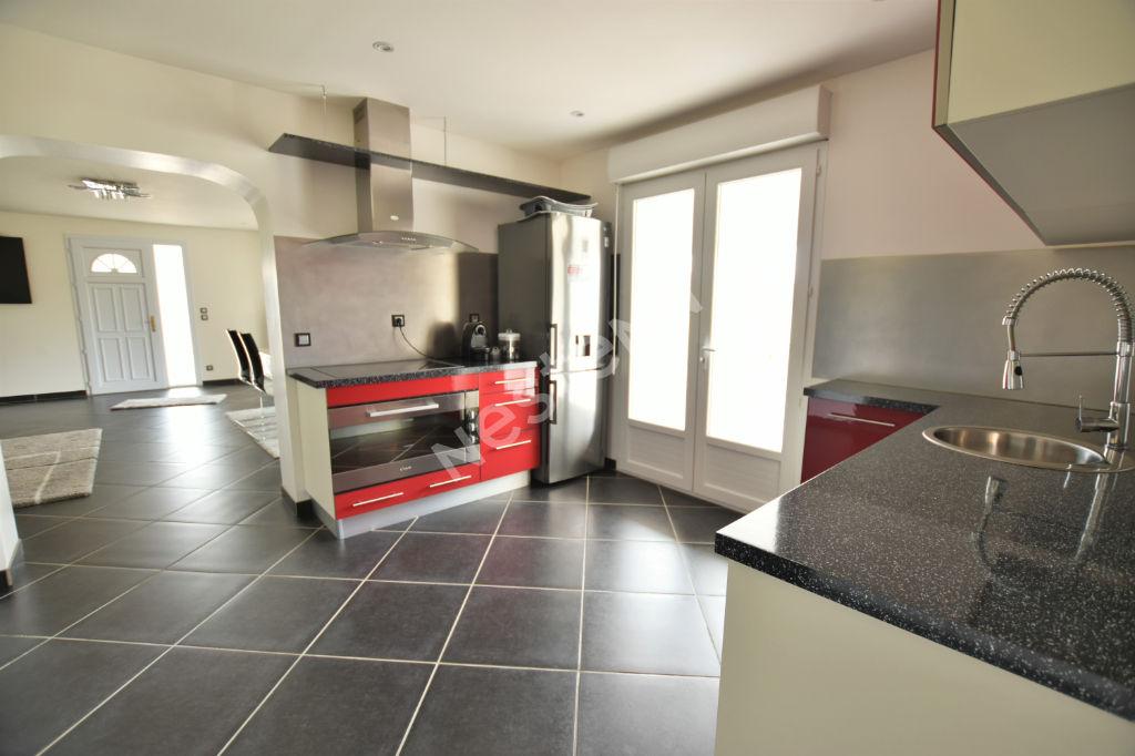 Belle maison récente avec vie de plain pied à l'Ouest de Bergerac