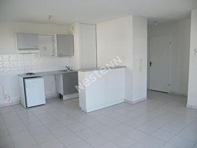 Appartement loue au 1er etage d'une residence securisee !