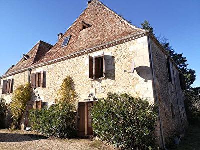 Superbe demeure en pierres dans le nord de Bergerac !