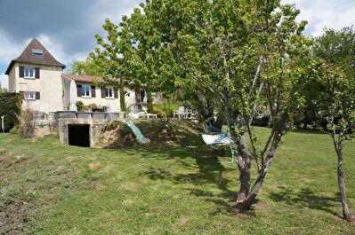 Maison de campagne a environ 10 kms au Nord de Bergerac !