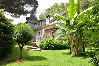 Perigourdine avec piscine au calme situee a l'ouest de Bergerac et proche des commodites !
