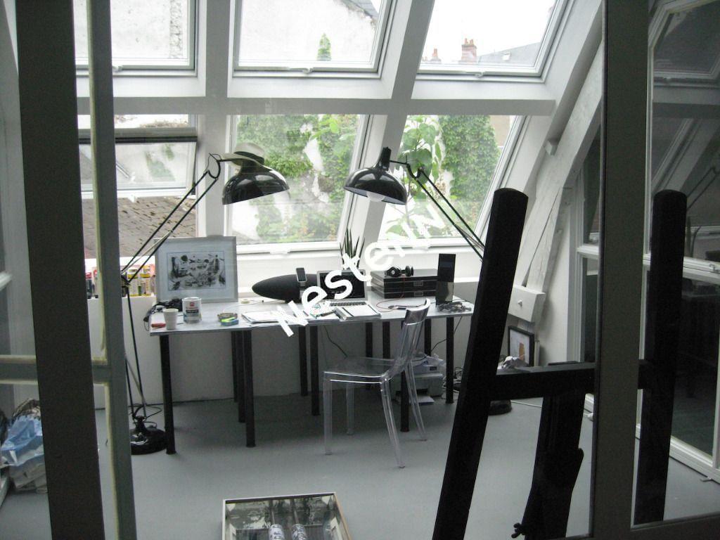 URGENT ! Blois hyper centre  loft en duplex de 170 m², 240 m² au sol