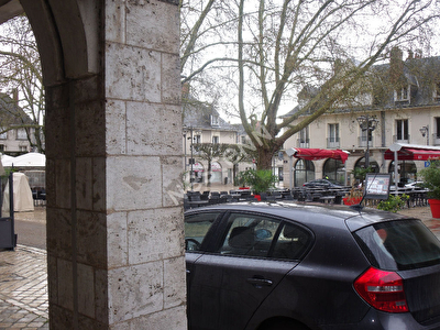 Local commercial Blois