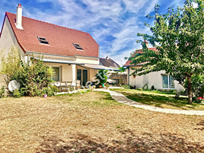 Maison La Chaussee Saint Victor -  160.51 m2