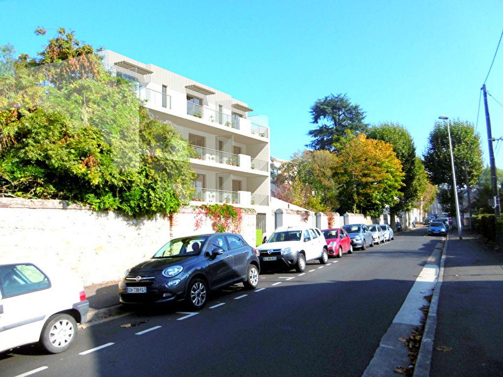 Bel Appartement Blois 4 pièces 109 m2 dans résidence grand standing