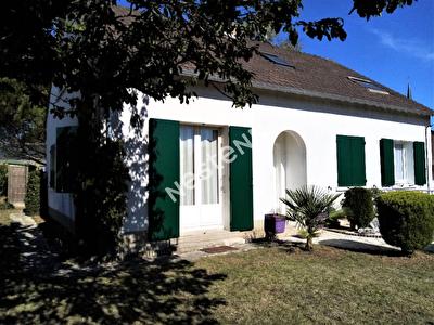 Maison La Chaussee Saint Victor 7 pieces 125 m2