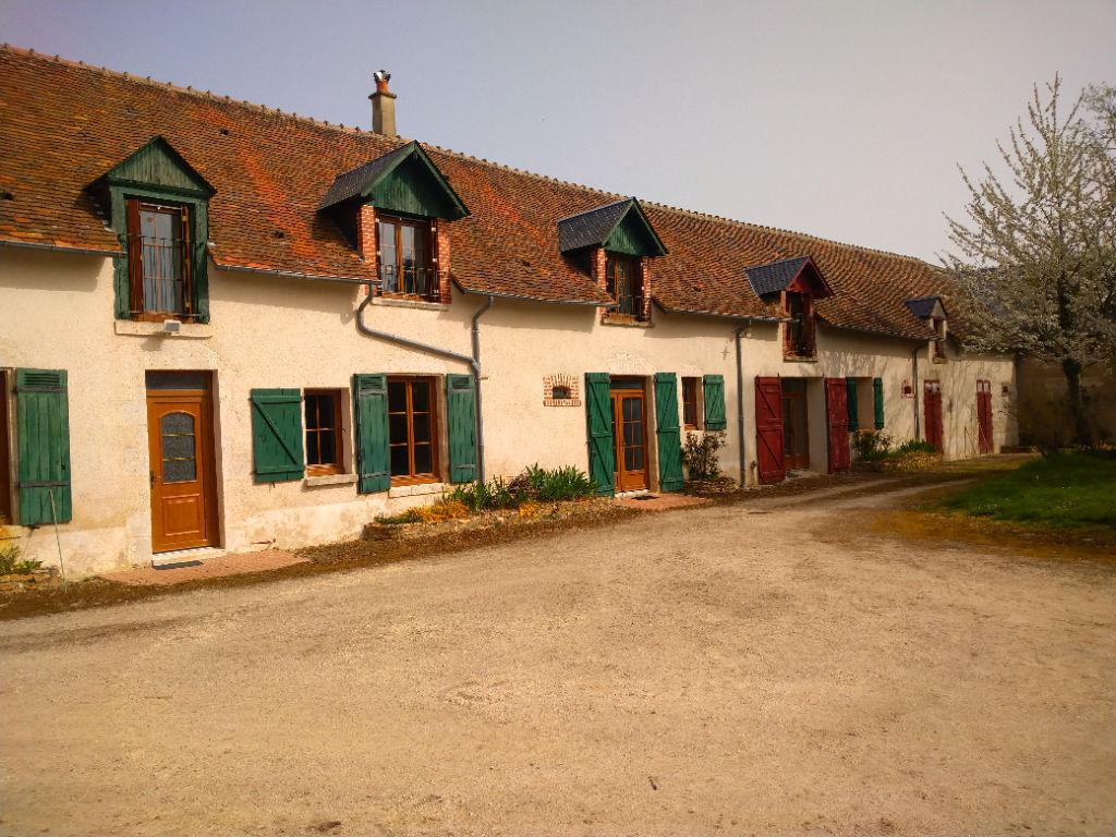 photos n°1 BLOIS 20min  Maison ancienne type longère 6 pièce(s) 268 m2  avec granges et et parc de 1hectare