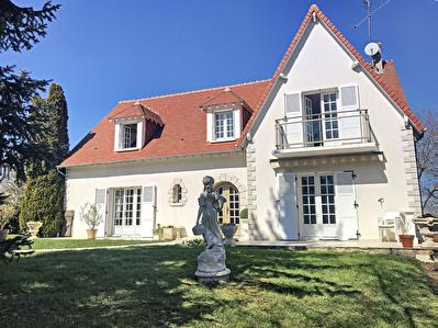Maison St Gervais la foret 4 chambresn 205 m2