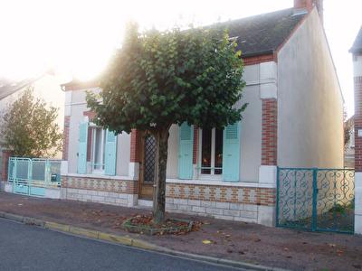 MAISON DE VILLE CHALETTE SUR LOING - 5 pieces - 112 m2