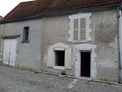 MAISON DE BOURG BOYNES - 2 pieces - 85 m2