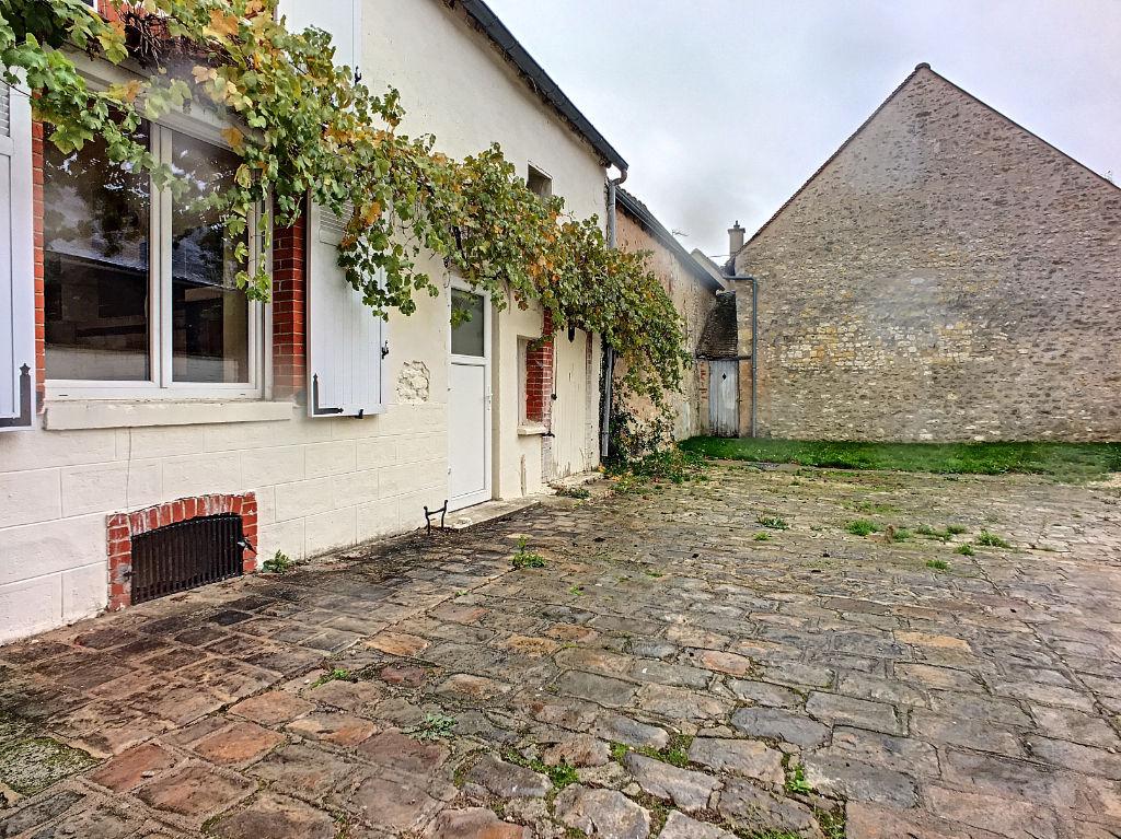 Maison - Secteur Pithiviers - 4 pièce(s) -120 m2 environ