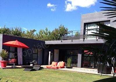 Maison  contemporaine 5 pieces 133 m2
