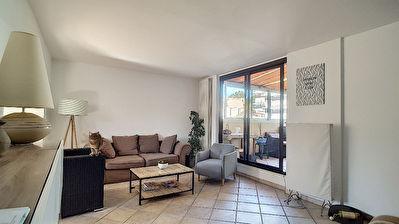 Appartement Martigues 4 pieces ensoleille avec belle vue degagee