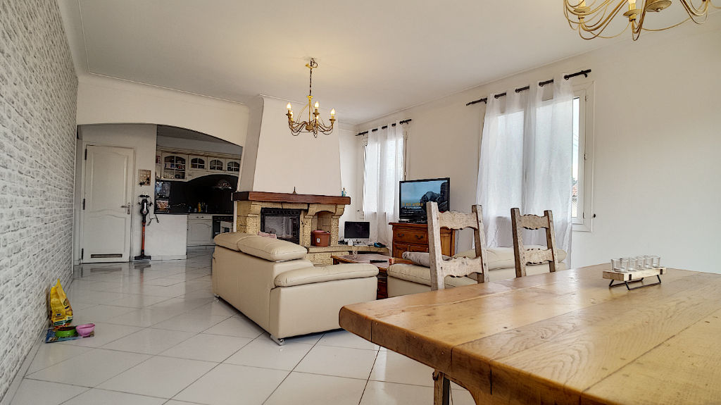 Haut de villa avec extérieur à Port De Bouc 4 pièce(s) 108.36 m2
