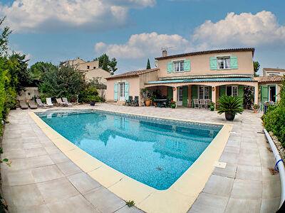 Villa Ensues la Redonne 6 pieces 212m2