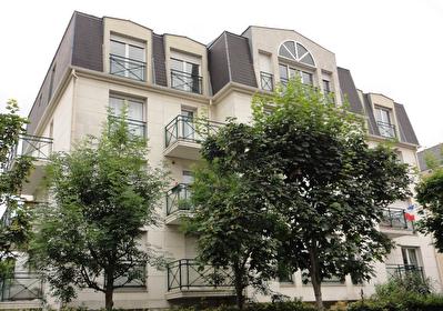 Appartement La Garenne-Colombes 4 pieces 80.52m2