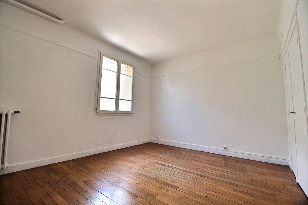 photos n°1 Appartement Courbevoie 2 pièce(s) 37,18 m2